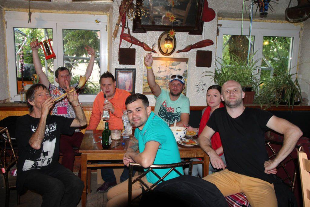 Walter mit der Band Russian Kolbussian in der Kneipe - Weißes Roß Immeldorf